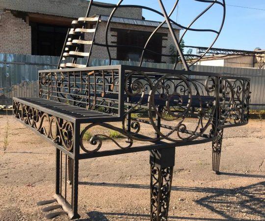Арт-объект «Кованый рояль»