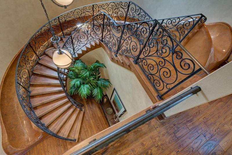 Лестница+горка. 12 крутых идей