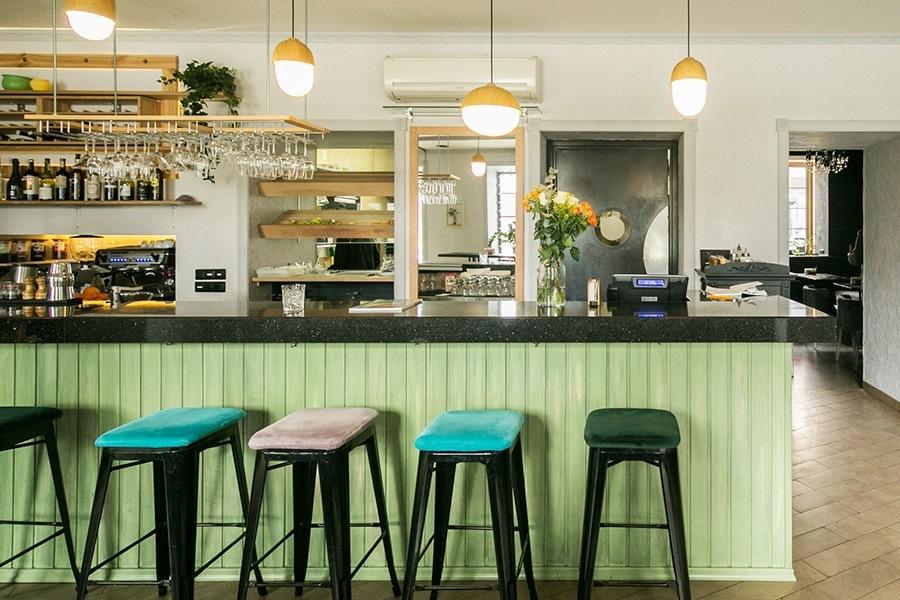 Интерьер кафеGreen Cuisine от белоруской студии ZROBYM architects