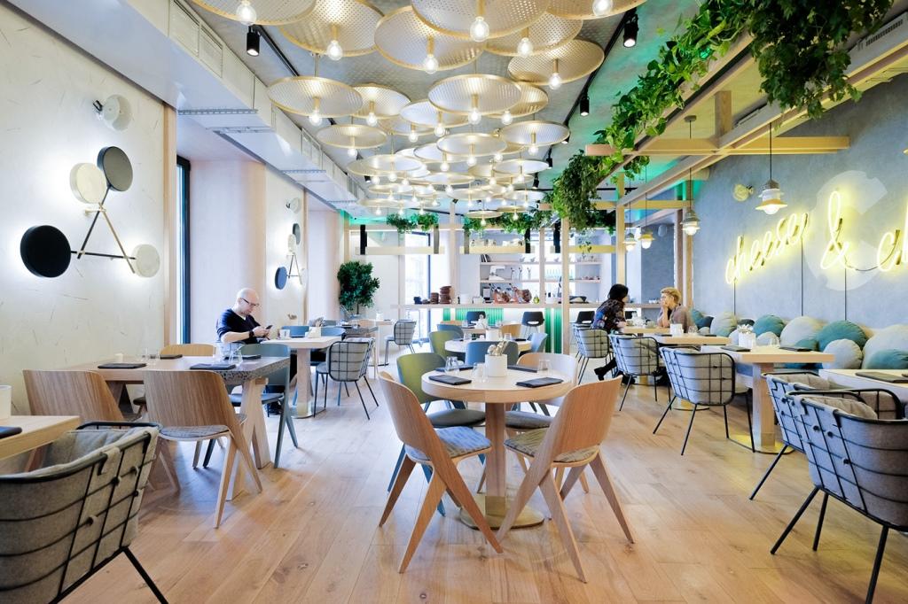 Интерьер ресторана СЫРНИКв Санкт-Петербурге от DA. design & architecture